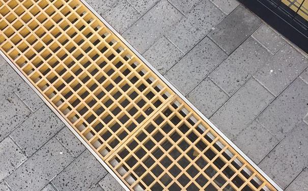 地沟与盖板
